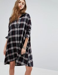Noisy May Erik Oversize Shirt Dress Black Ash Beat Red Multi