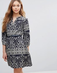 Yumi Belted Dress In Paisley Print Navy