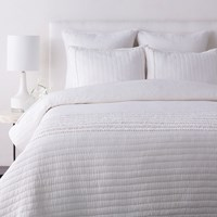 Surya Lindon Quilt White Twin