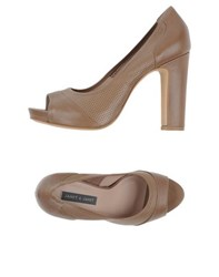 Janet And Janet Footwear Courts Women