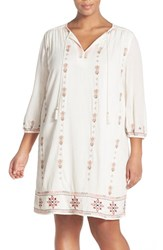 Plus Size Women's Caslon Three Quarter Sleeve Embroidered Shift Dress