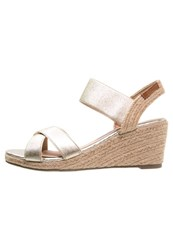 Refresh Wedge Sandals Gold