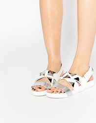 Eeight West Triangle Stud Flat Sandals White