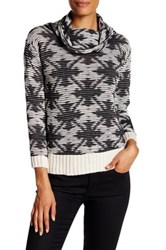 Luma Long Sleeve Pullover Black