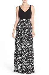 Women's Trina Turk 'Ara' Crepe Fit And Flare Maxi Dress