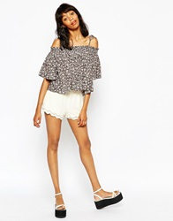 Monki Crochet Lace Detail Short Offwhite