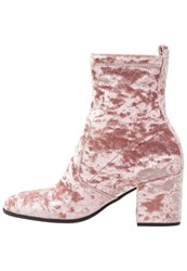 Kennel Schmenger Ruby Boots Rose