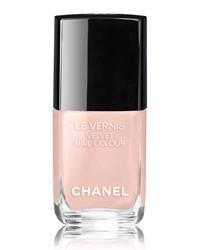 Chanel Le Vernis Velvet Collection Libre Longwear Nail Colour Pink