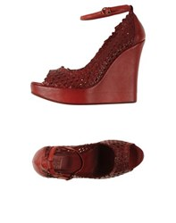 Strategia Footwear Courts Women