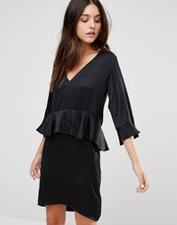 Minimum 3 4 Frill Sleeve Shift Dress With Peplum 999 Black
