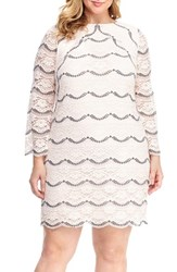 London Times Plus Size Women's Scalloped Lace Shift Dress