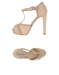 The Seller Footwear Courts Women Sand