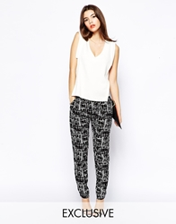 Goldie Slouchy Tapered Trouser In Mono Print Blackwhite