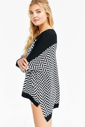 Ecote Herringbone High Low Sweater Black And White