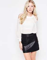 Daisy Street Blouse With Cold Shoulder Cream White