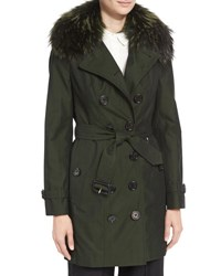 Burberry The Sandringham Mid Length Slim Fit Heritage Trenchcoat W Fur Collar Dark Cedar Green