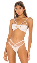Thistle And Spire Elizabeth Keyhole Strapless Bra In White. Ivory