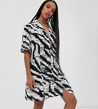 Reclaimed Vintage Inspired Oversized Shirt Dress In Mono Animal Print Black