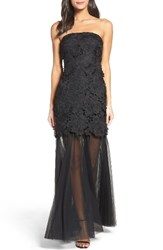 Vera Wang Women's Strapless Lace Gown