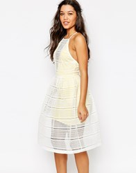Missguided Grid Lace Prom Dress With Contrast Lining Lemon