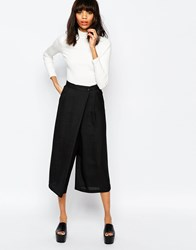Monki Wide Leg Trouser With Pleat Detail Black
