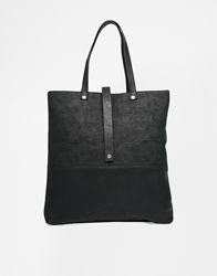 Pieces Tote In Contrast Black With Strap Detail