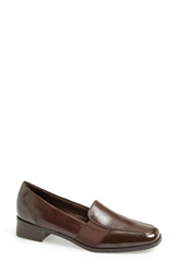 Trotters 'Arianna' Loafer Women Brown