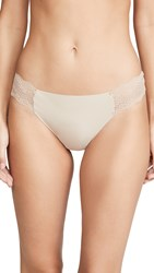 B.Tempt'd By Wacoal B.Bare Thong Au Natural