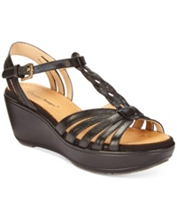 Bare Traps Diamond Flatform Sandals Women's Shoes Black