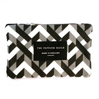 Pattern Guild Screen Printed Chains Pattern Coin Purse