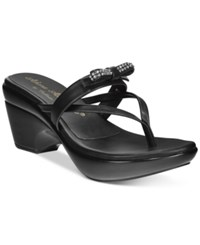 Callisto Lassye Platform Wedge Thong Sandals Women's Shoes Black