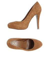 Ash Pumps Camel