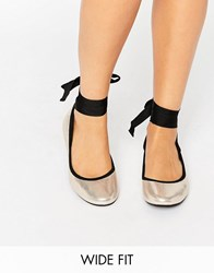 New Look Wide Fit Tie Up Ballet Pump Gold