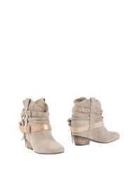 Janet And Janet Ankle Boots Beige
