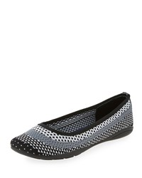 Adrienne Vittadini Moonstone Striped Knit Flat White Gray Black