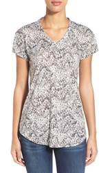 Women's Two By Vince Camuto 'Ridge' Burnout Print V Neck Tee