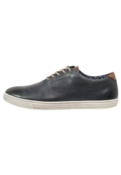 Pier One Trainers Navy Brown Blue