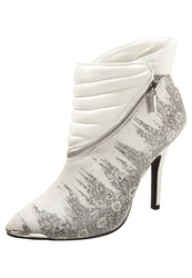 Supertrash Leigh Ankle Boots White