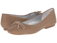 Tahari Inca Fawn Breach Print Women's Flat Shoes Neutral