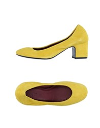 Avril Gau Pumps Yellow