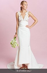 Women's Oscar De La Renta 'Daphne' Sleeveless Ruched Waist Lace And Silk Faille Trumpet Gown In Stores Only