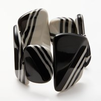 One Button Stripe Asymmetric Pebble Stretch Bracelet Black White