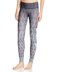 Onzie Graphic Leggings Side Pop