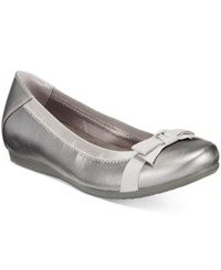 Bare Traps Maiya Hidden Wedge Flats Women's Shoes Pewter
