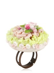 Les Delices De Rose Floral Cake Ring