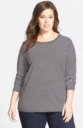 Sejour Plus Size Women's Stripe Forward Shoulder Tee Black White Stripe