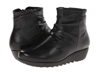 Munro American Riley Black Leather Women's Boots